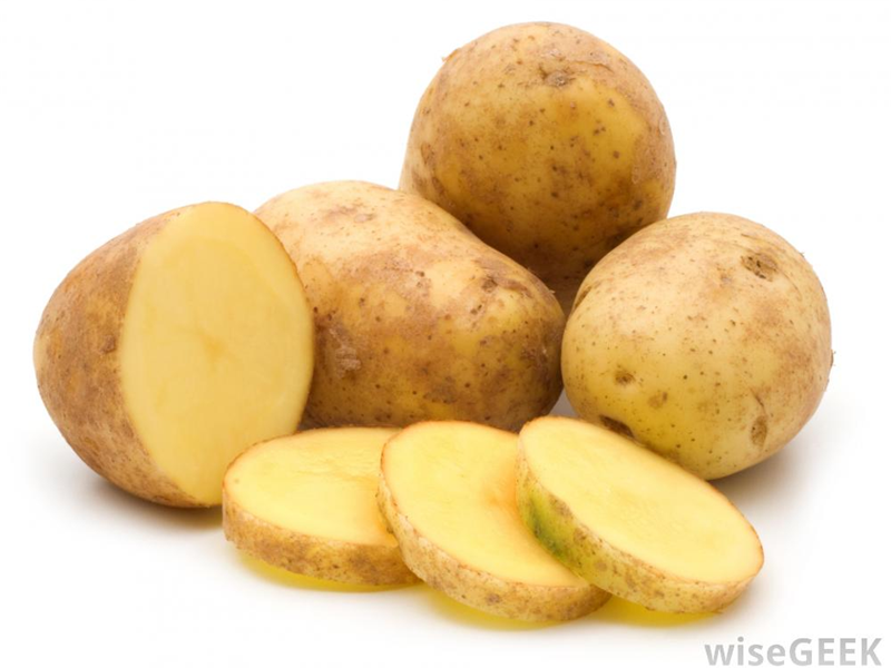 2_whole-and-sliced-raw-potatoes