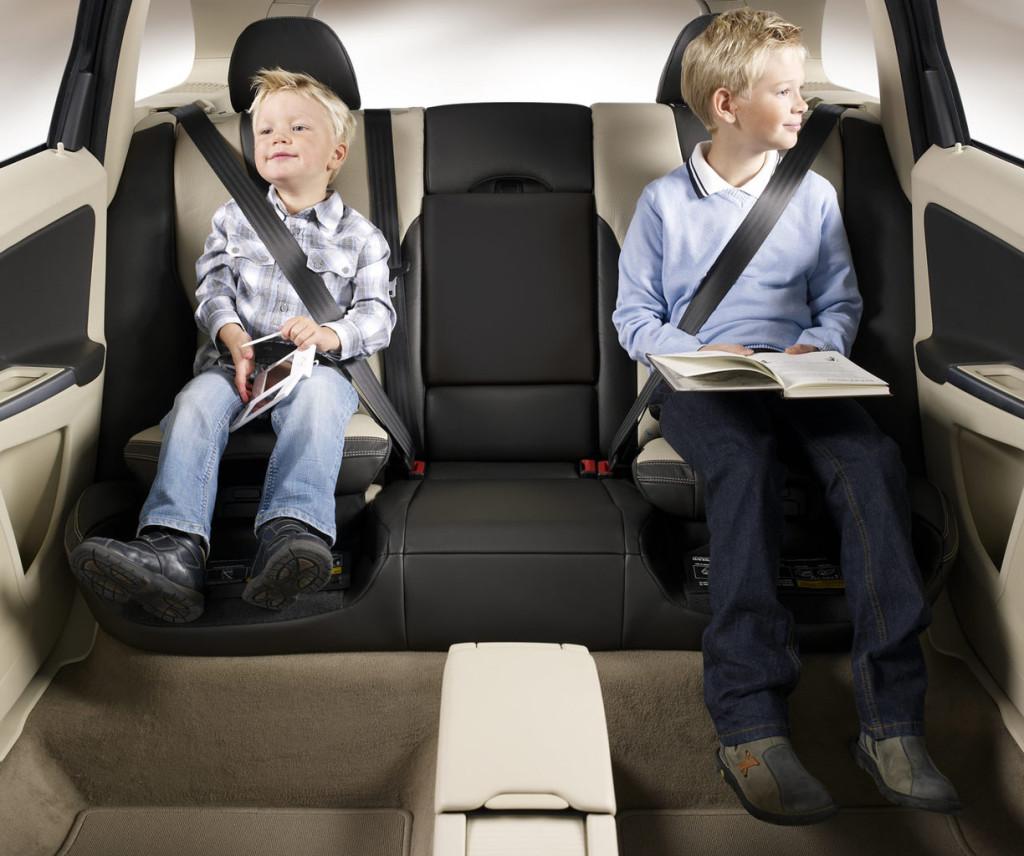6_sicurezza-auto-cinture-bambini (1)
