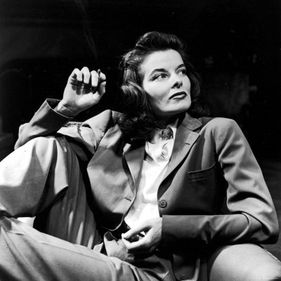 alfred-eisenstaedt-portrait-of-actress-katharine-hepburn-with-cigarette-in-hand_thumb2