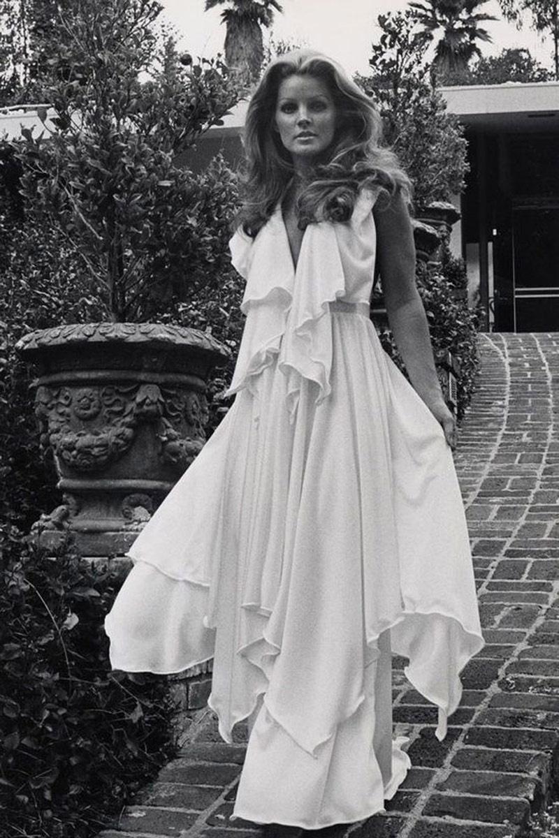 vestidos_tunica_trajes_de_chaqueta_vestido_de_croche_como_jane_birkin_para_una_novia_inspirada_en_los_anos_70_975304840_800x