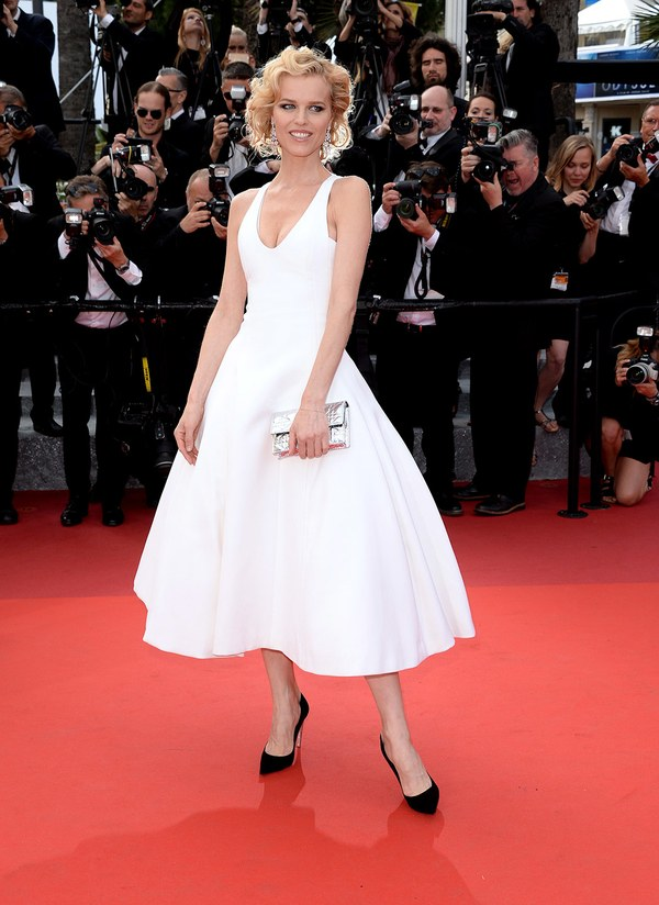 ss03-Eva-Herzigova-cannes-red-carpet-best-dressed-2016-day-8 (1)