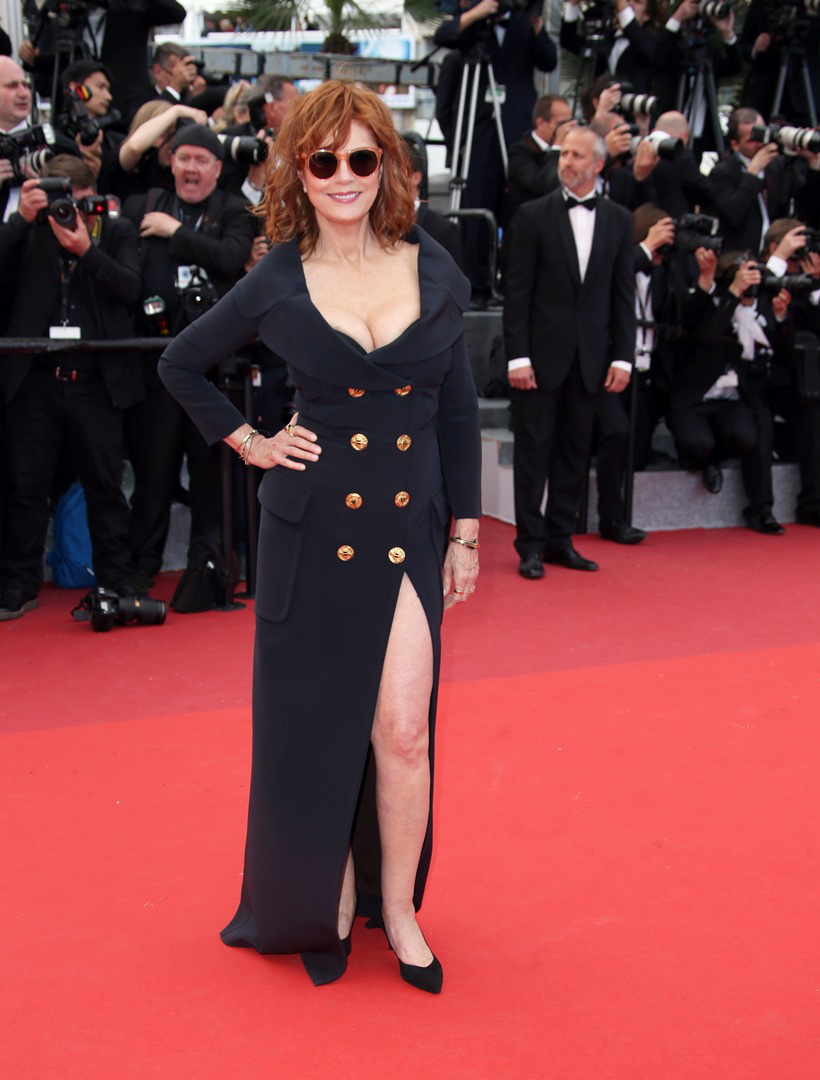 Actress Susan Sarandon poses for photographers upon arrival for the screening of the film Money Monster at the 69th international film festival, Cannes, southern France, Thursday, May 12, 2016. (AP Photo/Joel Ryan)