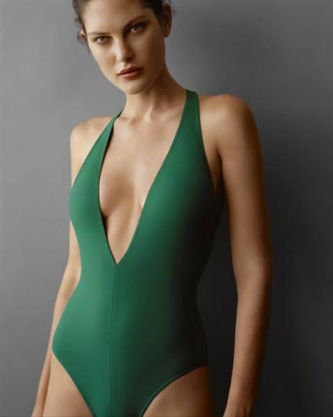 Catherine-McNeil-Bellezza-Da-Urlo-In-Eres-Swimwear-SS-2016-10