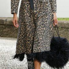 Come indossare il cappotto animalier senza essere kitsch ed esagerate