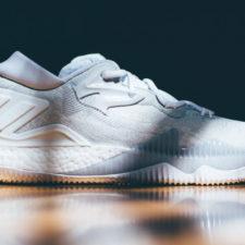 Amate le scarpe bianche? Ecco come tenerle sempre immacolate