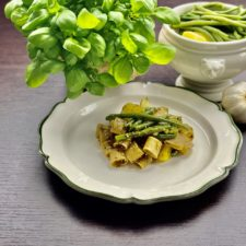 Pasta al pesto con fagiolini e patate